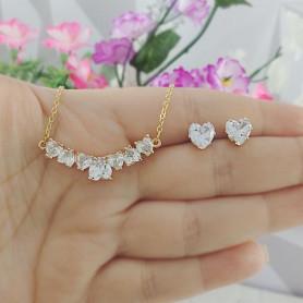 Conjunto colar e brinco de corações branco dourado