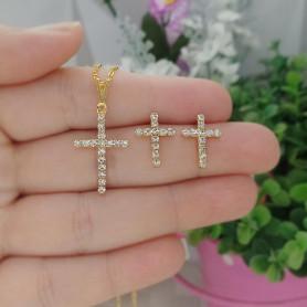 Conjunto colar e brinco folheado a ouro crucifixo strass