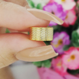 Piercing de pressão texturizado folheado a ouro