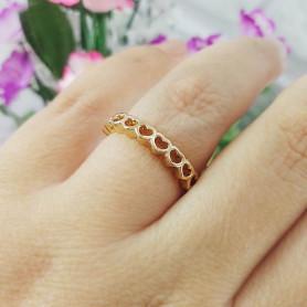 Anel de corações dourado