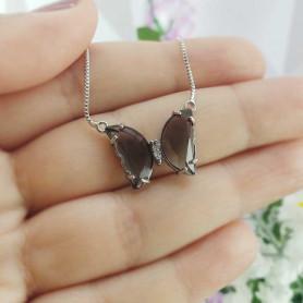 Colar borboleta mini cinza prateado